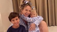 """Curada do Covid-19, Eliana comemora com os filhos: """"O amor foi o remédio"""""""