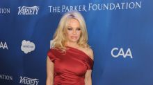 Pamela Anderson, trasnochada y vulgar en la gala 'Help Haití'
