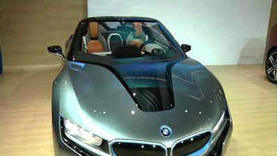 Automakers show off electric vehicles in LA