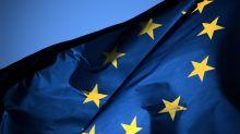 Eurozona, economia si rafforza, QE verso riduzione a 40 miliardi