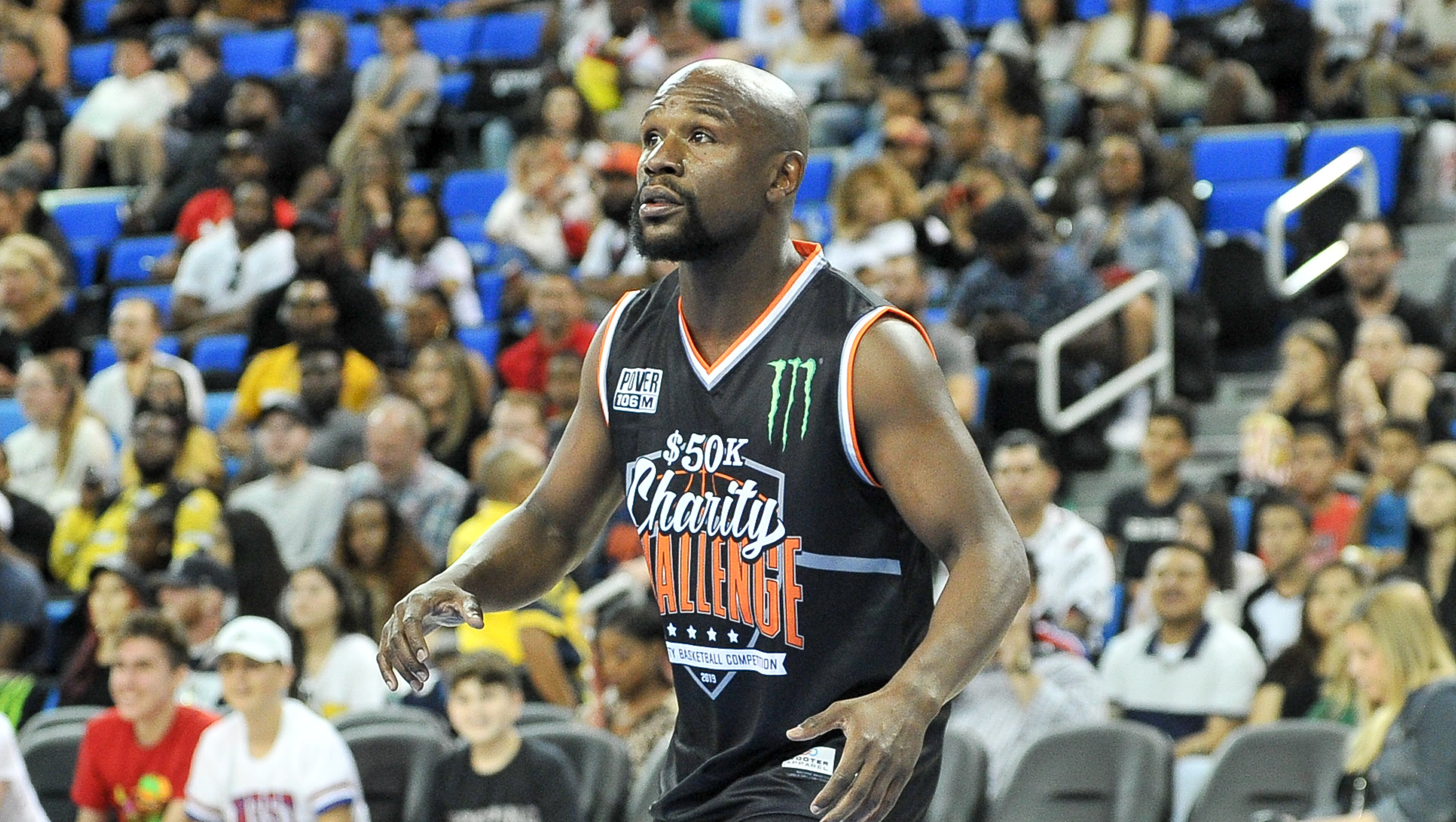 Floyd Mayweather Recovering from 'Broken Ankles' After Charity Basketball Game