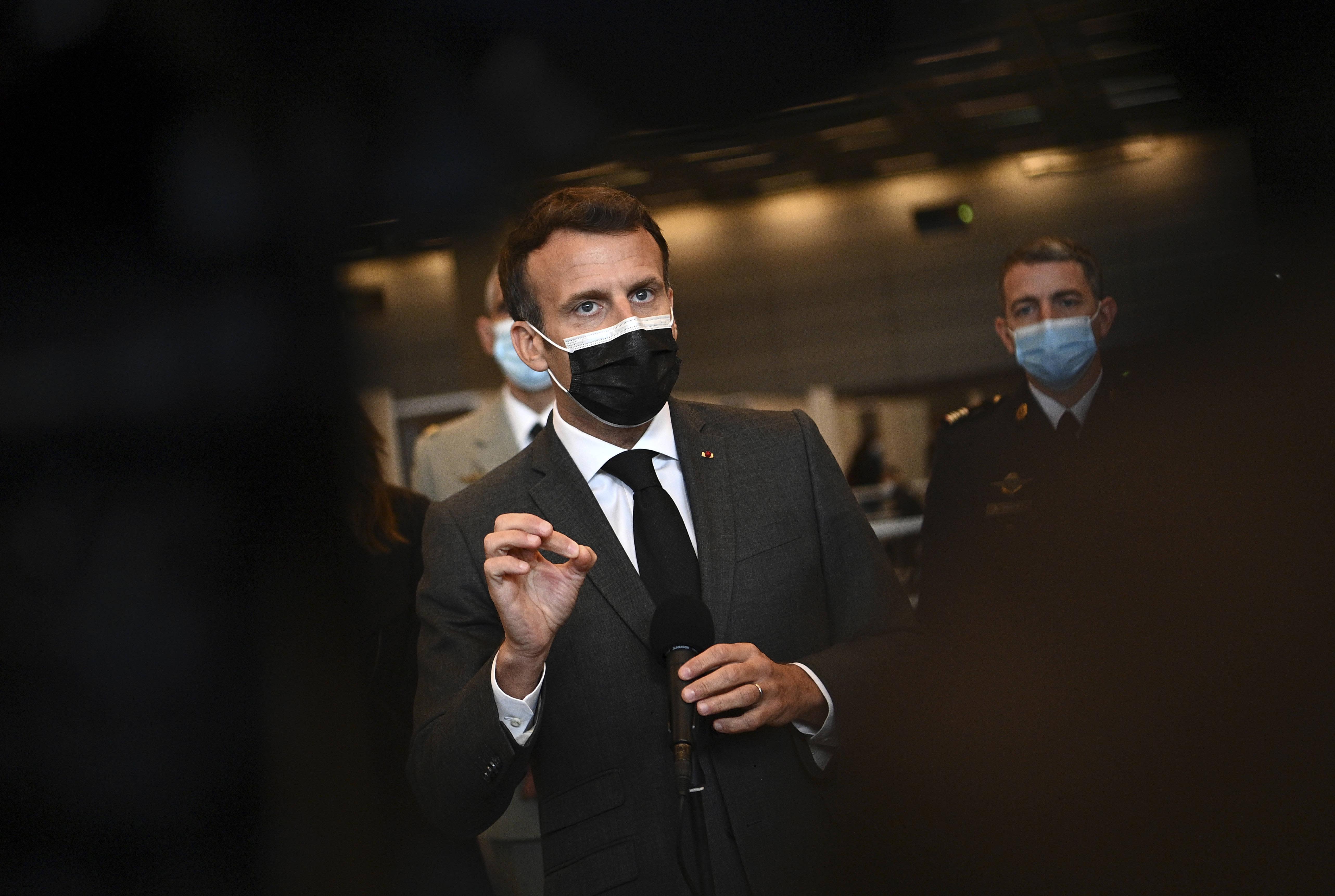 Levée des brevets sur les vaccins: Macron est «à la remorque des Etats-Unis»