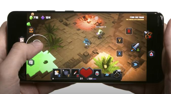 Minecraft Dungeons touch controls