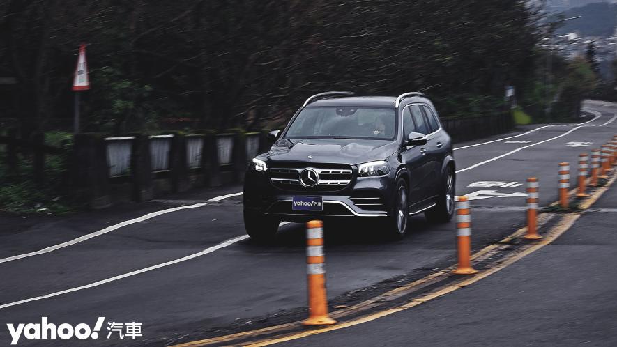 大而得當!2021 Mercedes-Benz GLS 450 4MATIC雨季試駕 - 6
