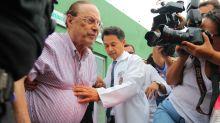 Em prisão domiciliar, Maluf faz campanha na fachada de casa para aliado