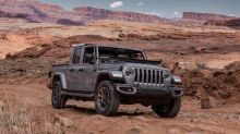 2020 Jeep Gladiator: How to fold down the windshield