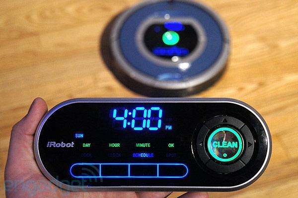 iRobot Roomba 790 with Wireless Command Center hands-on (video)