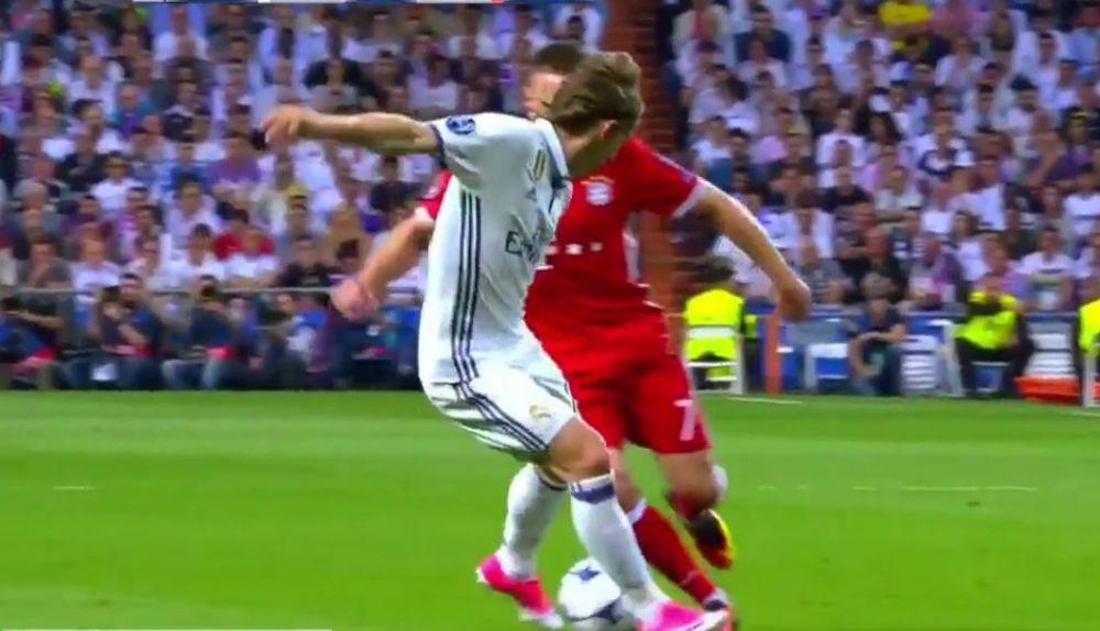 Ribery desnudó a Modric con un exquisito caño