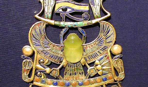 Tutankhamun's meteorite scarab in brooch