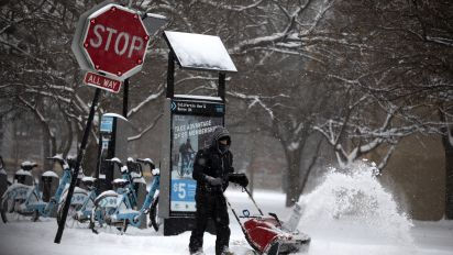 Storm hits New England after blasting Midwest