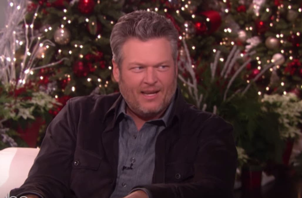 Blake Shelton corrects Ellen DeGeneres in awkward exchange: 'But you didn't give it to me ...'