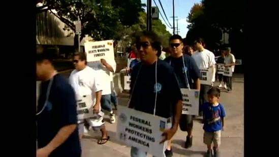 Hawaii federal employees protest furloughs