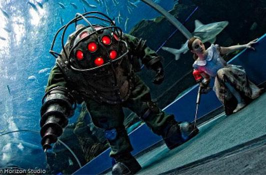 BioShock cosplay recreates Rapture at the Aquarium
