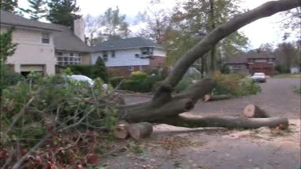 Thousands of residents without power on Long Island