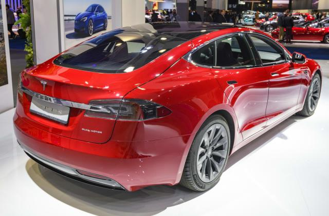Tesla Model S range edges closer to 400 miles