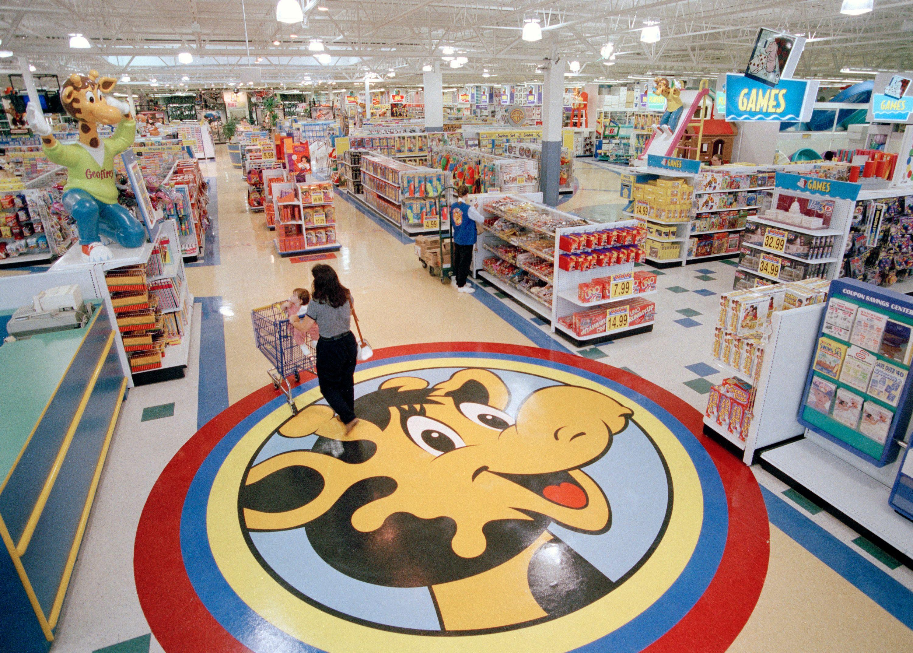 Toys 'R' Us comeback is met with skepticism by major toy makers