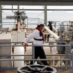 U.S. oil prices fall a 2nd session; Brent climbs on Iran-pegged supply worries