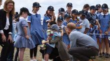 Enrique y Meghan visitan a los agricultores víctimas de la sequía en Australia