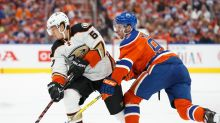 No aces up Oilers GM Ken Holland's sleeve at free-agent card table