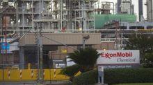 Exxon Mobil Falls 3%