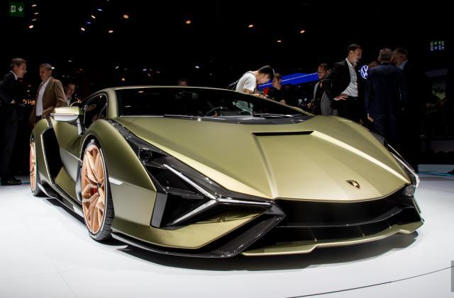 Lamborghini's V12 gets electrified with the 819HP Sian hybrid