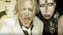 Johnny Depp aparece como Deus em novo clipe do cantor Marilyn Manson