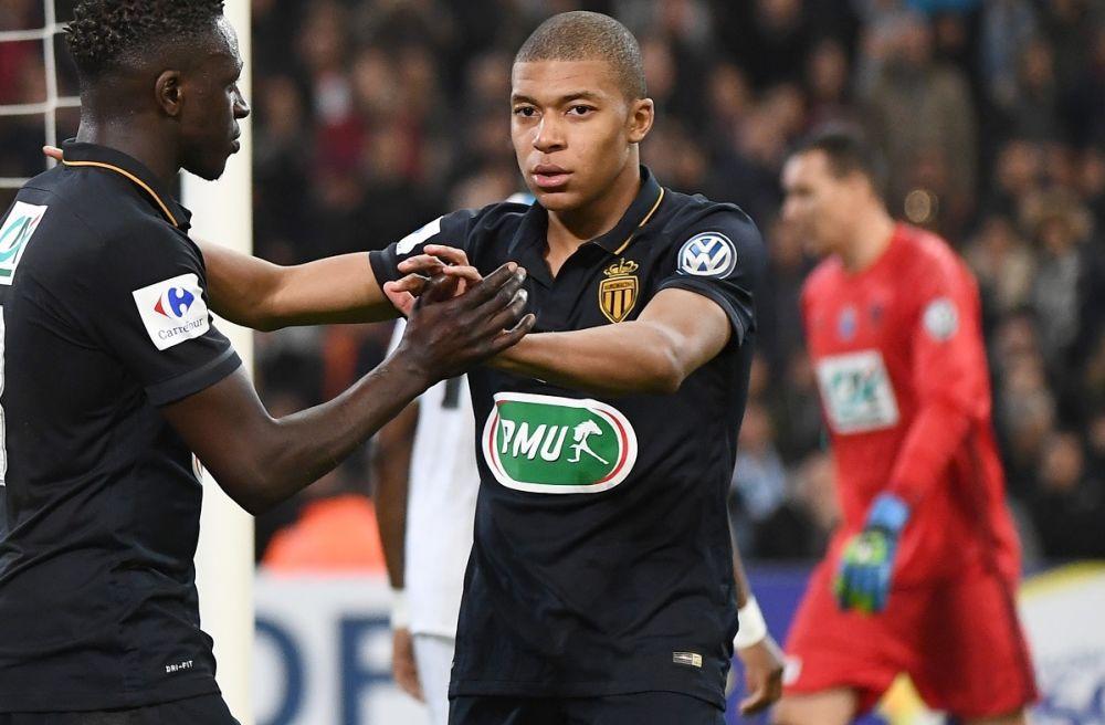 Benzema n'a jamais vu jouer Mbappé… mais lui conseille de rester à Monaco
