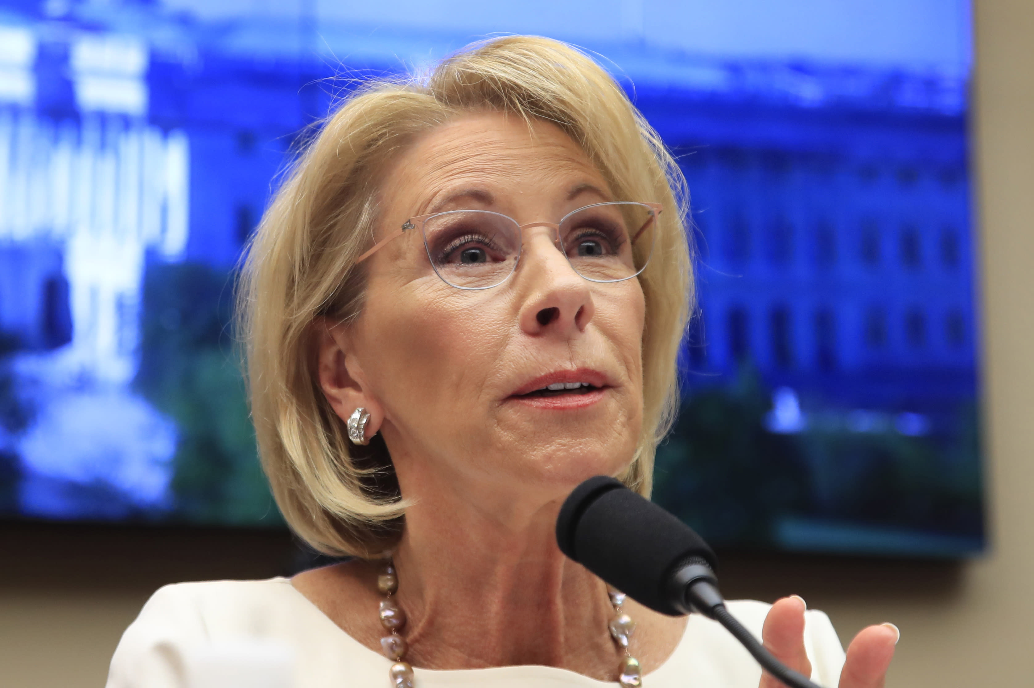 After Devos Vote Fight For Public >> Devos Becoming Popular Target For Democrats In 2020 Race