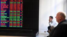 Aust shares fall on US govt shutdown fears