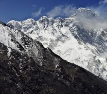 Four climbers found dead on Everest