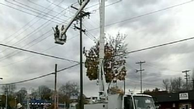 Strong Winds Cause Power Outages Around The Area