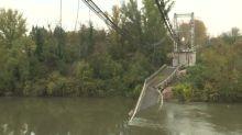 Camión que causó derrumbe de puente en Francia pesaba el doble de lo autorizado