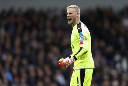 Leicester City's Kasper Schmeichel celebrates after Jamie Vardy scores their first goal
