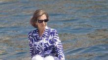 El solitario verano de la reina Sofía mientras la justicia cerca a su marido