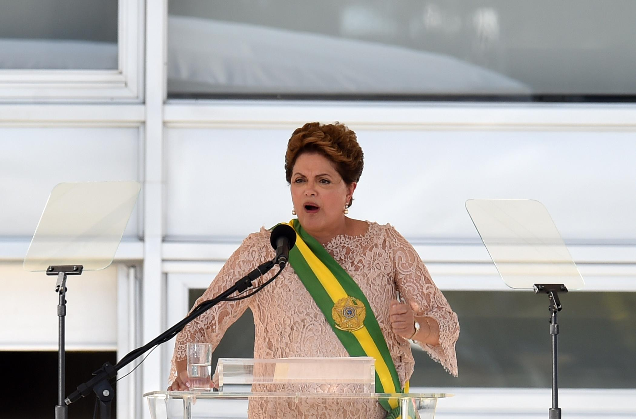 Brazil's President Dilma Rousseff delivers a speech during her second term inauguration in Brasilia, on January 1, 2015 (AFP Photo/Evaristo Sa)
