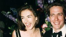 Elizabeth Hurley recrea su icónico look Versace a los 53