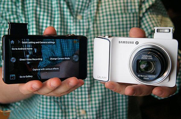 Samsung announces EK-GC100 Galaxy Camera with Android Jelly Bean, massive 4.8-inch display, 21x zoom, WiFi and 4G connectivity (hands-on)