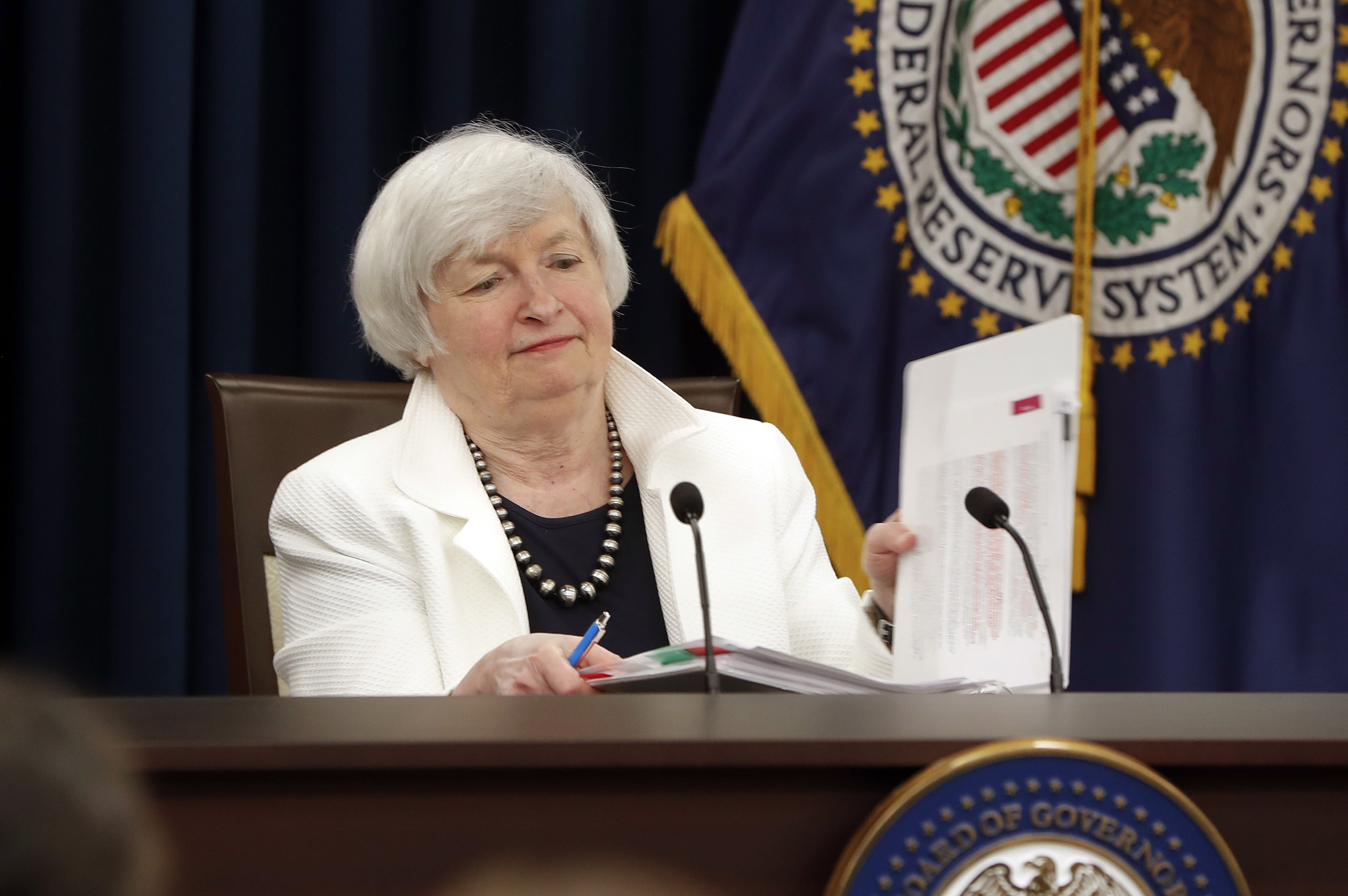 the 2008 financial crisis and the federal reserve Research division  federal reserve bank of st louis  working paper series  the federal reserve's response to the financial crisis: what it.