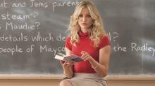 """Professora recebe advertência por usar roupa """"inapropriada"""" e internet não entende a razão"""