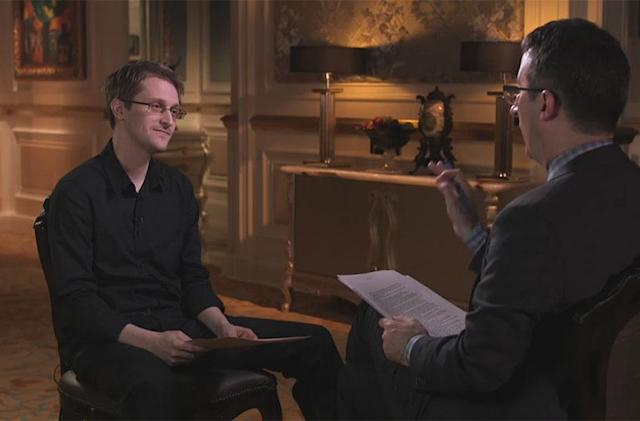 Snowden shows John Oliver how the NSA can see your dick pics