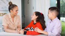 Jennifer Lopez es entrevistada por sus mellizos