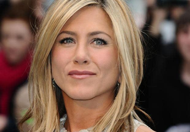 Jennifer Aniston : Le carré plongeant, c'est maintenant