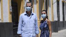Letizia Ortiz estrena el verano con un vestido de Adolfo Domínguez que está rebajado más de 100 euros