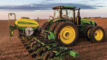 What Is Deere & Company's (NYSE:DE) Share Price Doing?