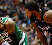 Twin Neck Woes Markieff Morris Brother Marcus Neck Sore As Hell