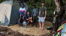 Surf - Damien Castera: au Libéria, les anciens enfants soldats «se reconstruisent par le surf»