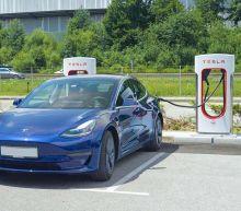 Dow Jones Futures: Tesla Surges Above 900; Enphase Energy Soars, Nvidia, Apple Rise