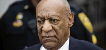 Retrial looming, Cosby performs at Philly club