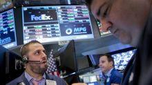 S&P 500 fecha quase estável com receio comercial ofuscando otimismo com Fed