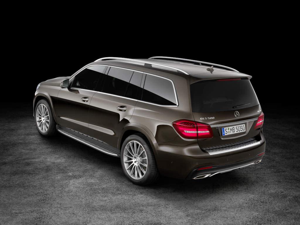 The new Mercedes-Benz GLS - Rear view